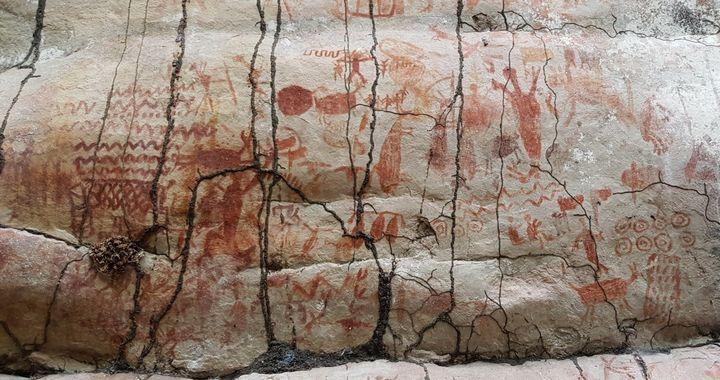 Наскальные рисунки в Амазонке, фото