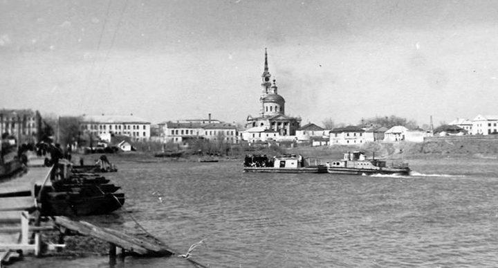 Прибытие буксирного катера в Рыльск, фото