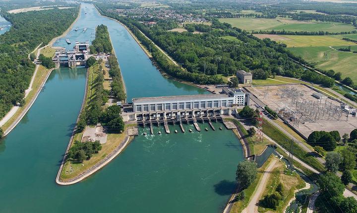 Рейнская плотина и шлюзы в Кембсе, фото