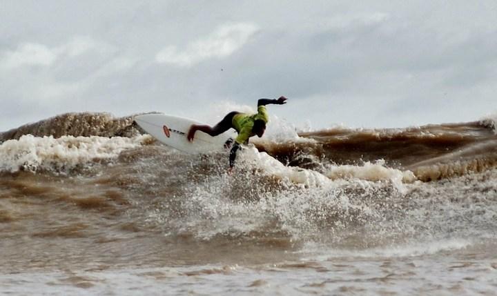 Серфинг на реке Амазонка, фото