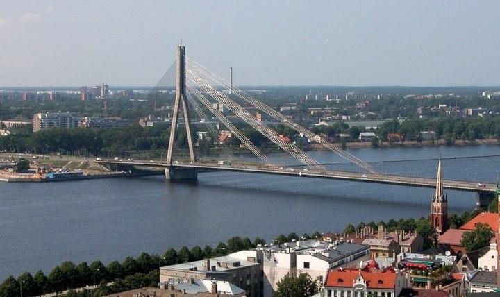 Вантовый мост в Риге, фото