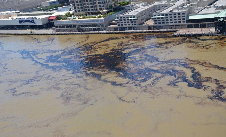 Загрязнение реки мессисипи судами, фото