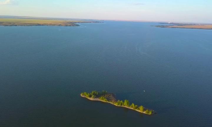 Ириклинское водохранилище, на реке Урал, фото