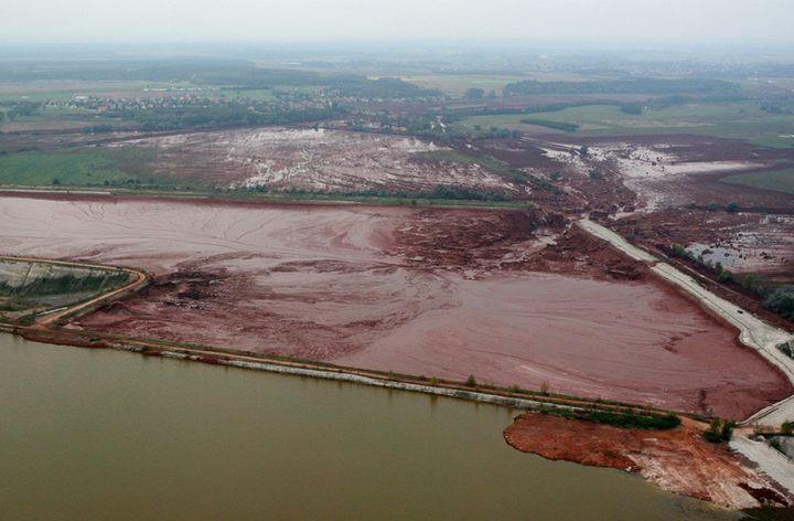 Крупнейшая экологическая катастрофа на Дунае, фото 2