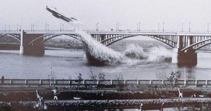 Легендарный пролет под мостом на реактивном самолете, фото