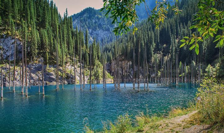 Озеро Каинды, фото