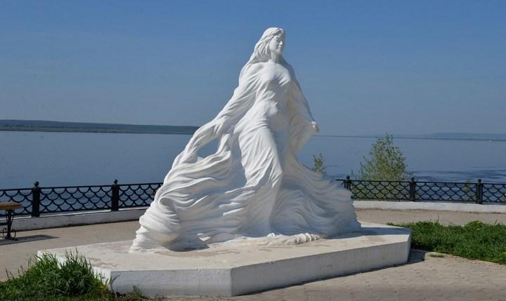 Памятник реке Лене в Якутии, фото