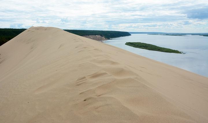 Тукуланы – песчаные дюны на реке Лена, фото