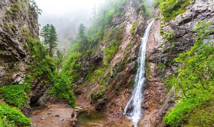 Большой Амгинский водопад, фото