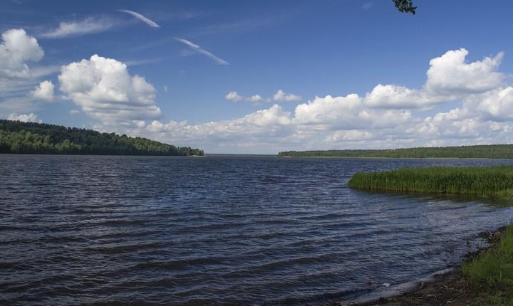 Красное озеро, фото