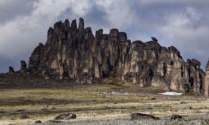 Горный хребет Улахан-Сис, фото