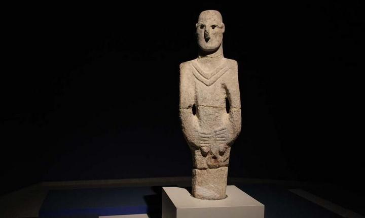Каменная статуэтка Человек из Урфы (Urfa Man), фото